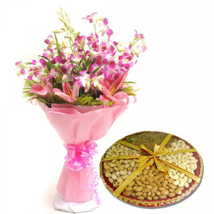 half kg assorted dry fruits with seasonal flower bouquet